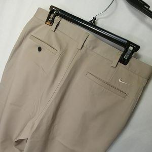 Nike Golf Fit Dry Cuffed Khaki Pants Size 33x32